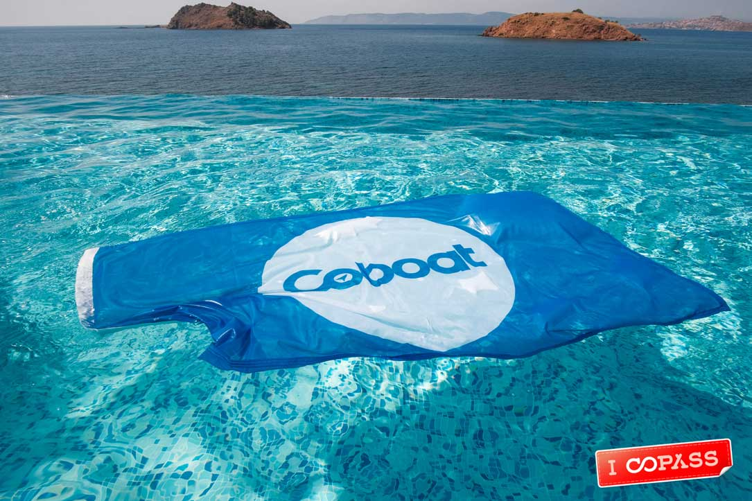Coboat flag in pool
